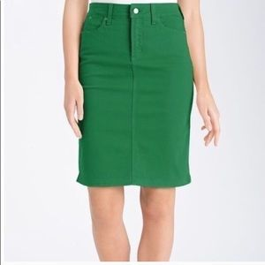 NYDJ Not Your Daughters Jeans Green Skirt Size 6
